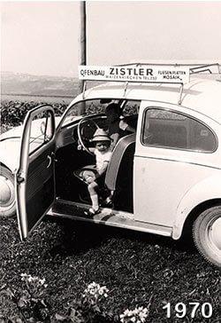 Josef Zistler mit dem Firmenwagen