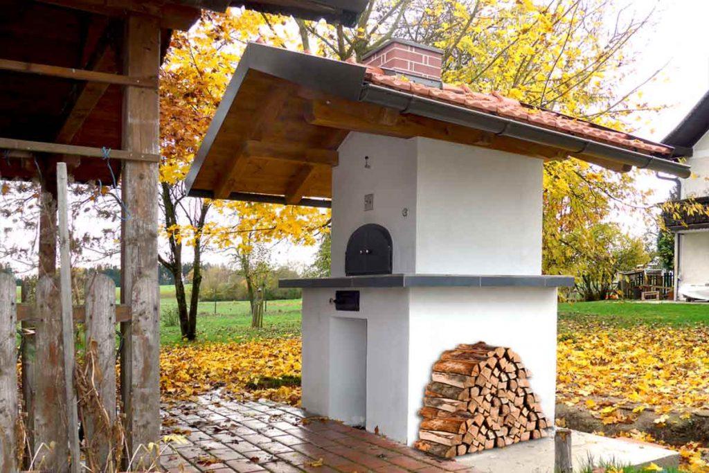 Backhaus im Garten für Brot und Pizza